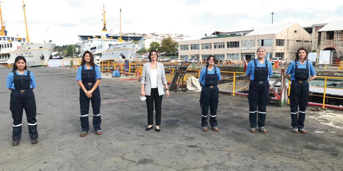 Şehir Hatları'nda Bir İlk: 5 Kadın Gemici İş Başı Yaptı